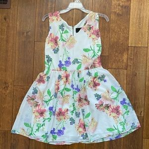 Floral print dress with zipper back